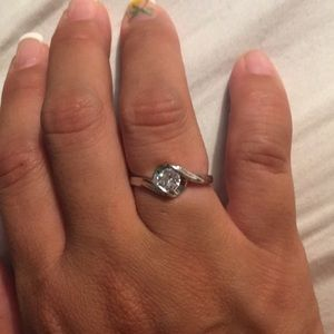 2 available Cz beauty ring